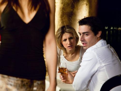 Most common lies men tell their girlfriends
