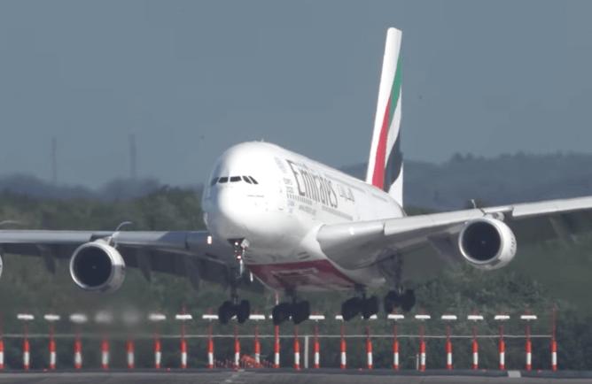Terrifying landing in Germany crosswinds