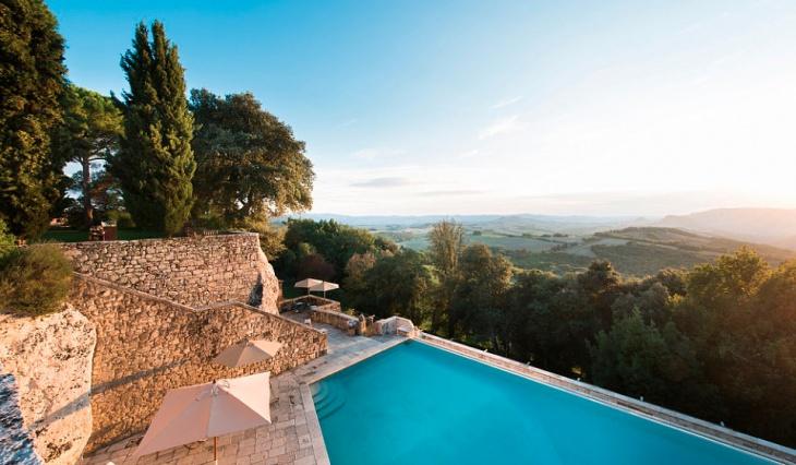 10 best looking hotel pools worldwide