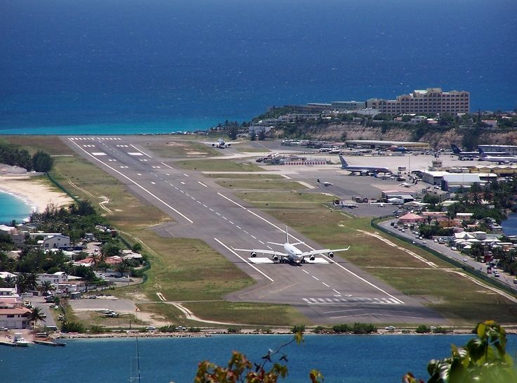 Most insane airport runway for landing