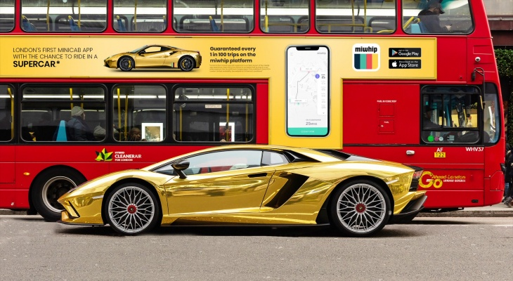 Gold supercars available for Taxi in London