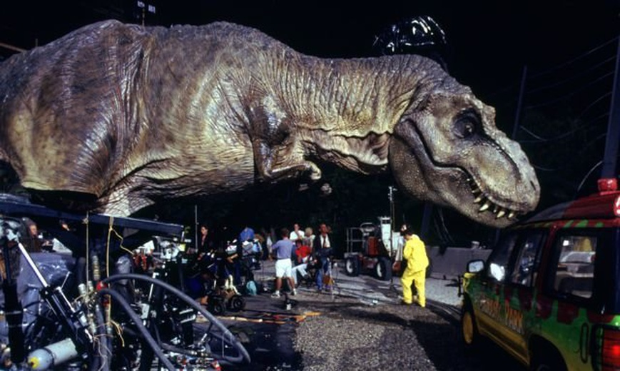 Incredible behind the scenes of Hollywood's greatest movies