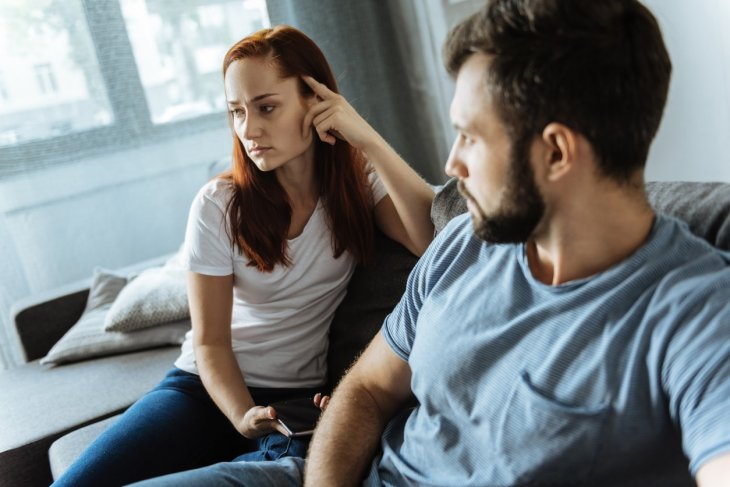 8 signs of a cheating partner